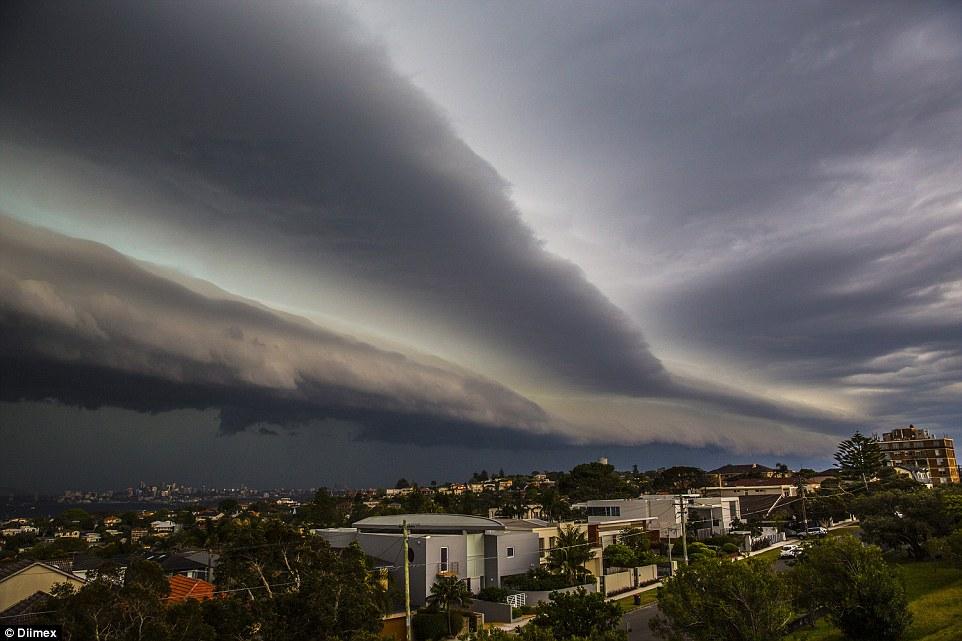 apocalyptic-storm-cloud-sydney-october-2014-1