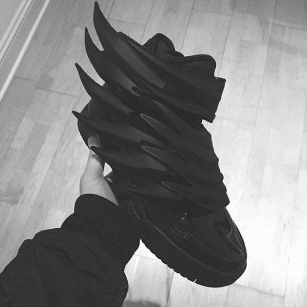 jeremy-scott-adidas-dark-knight-03-570x570